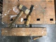 Schreinerwerkzeug auf Hobelbank